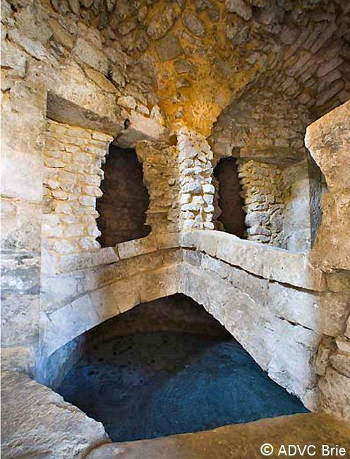 Château de Brie-Comte-Robert - Tour sud, niveau 1 -- © ADVC Brie
