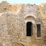 Château de Brie-Comte-Robert - Tour est, porte de l'étage côté logis -- © ADVC Brie